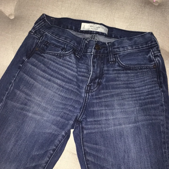 Abercrombie & Fitch Denim - Abercrombie relaxed fit cropped jeans NWOT